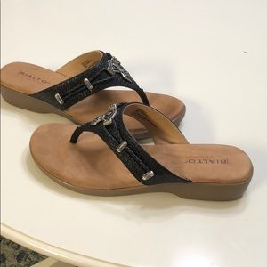 Size 10 sandals by Rialto comfort